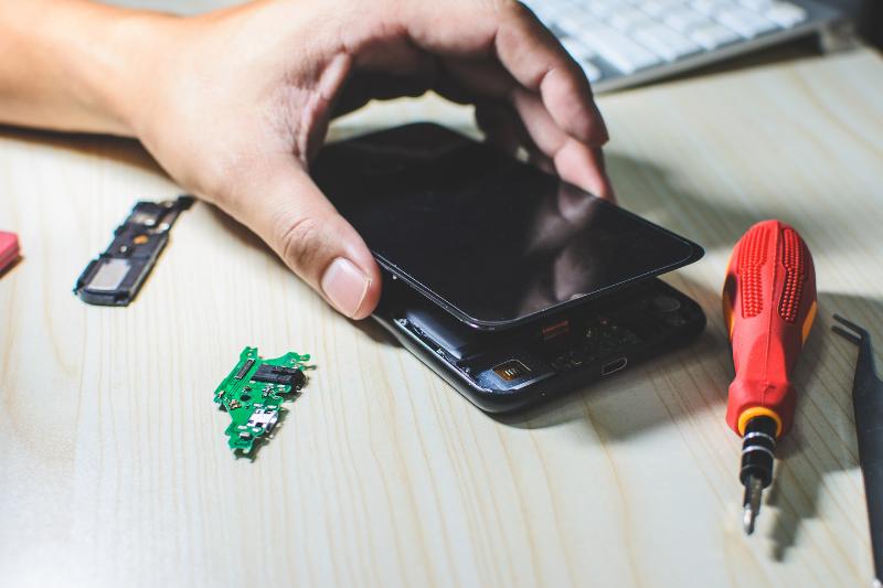 תיקוני סלולר מקצועיים עד הבית